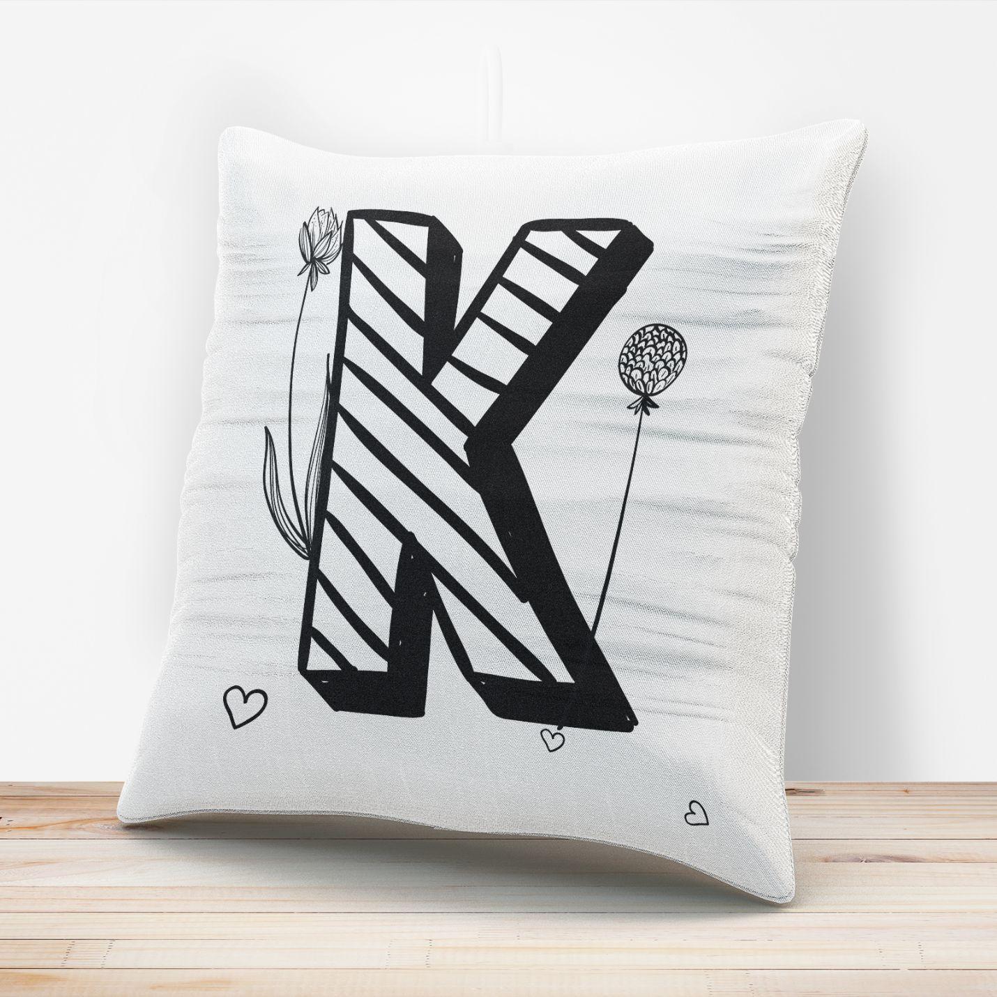 K Harfi Tasarımlı Yastık Kılıfı