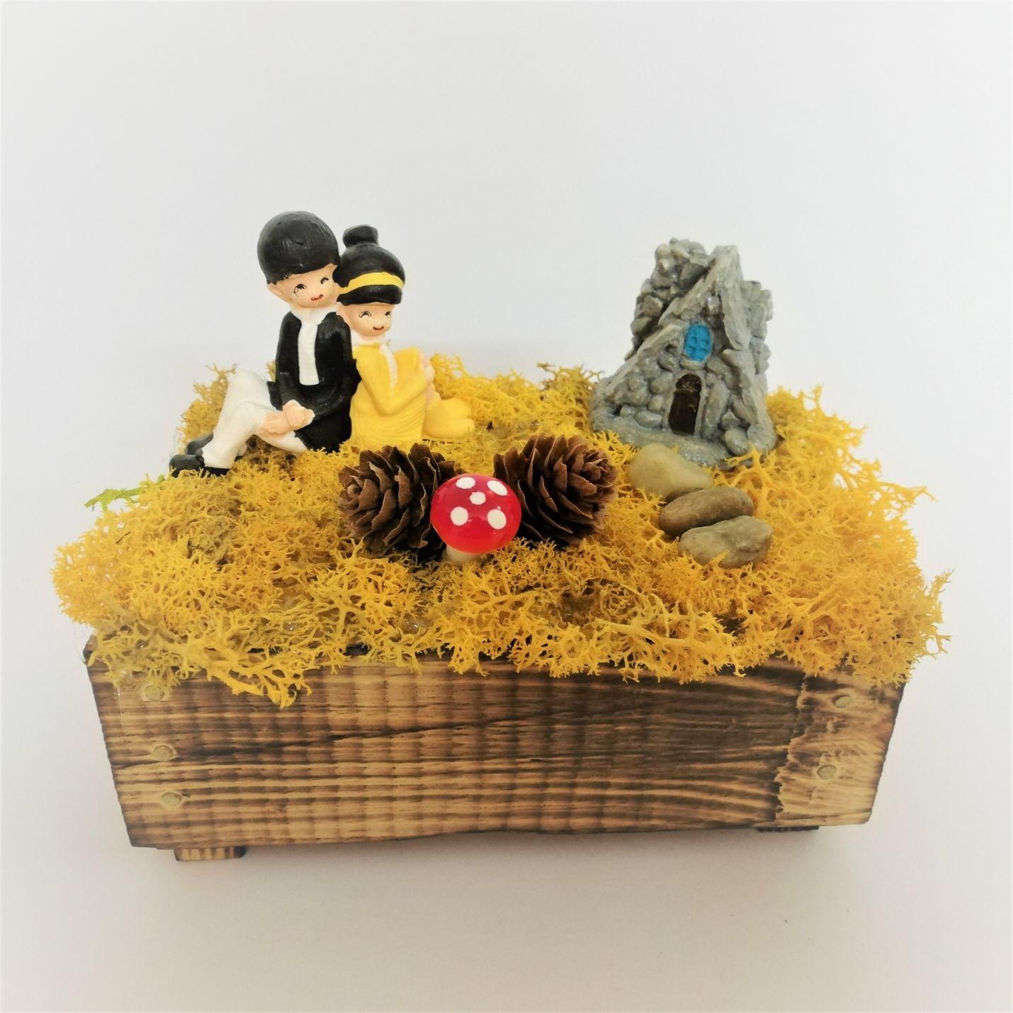 Ahşap Sandıkta Romantik Sevgililer Minyatür Bahçe -2