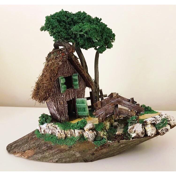 Kütük Üzerinde Hayalimdeki Ev Temalı Minyatür Bahçe