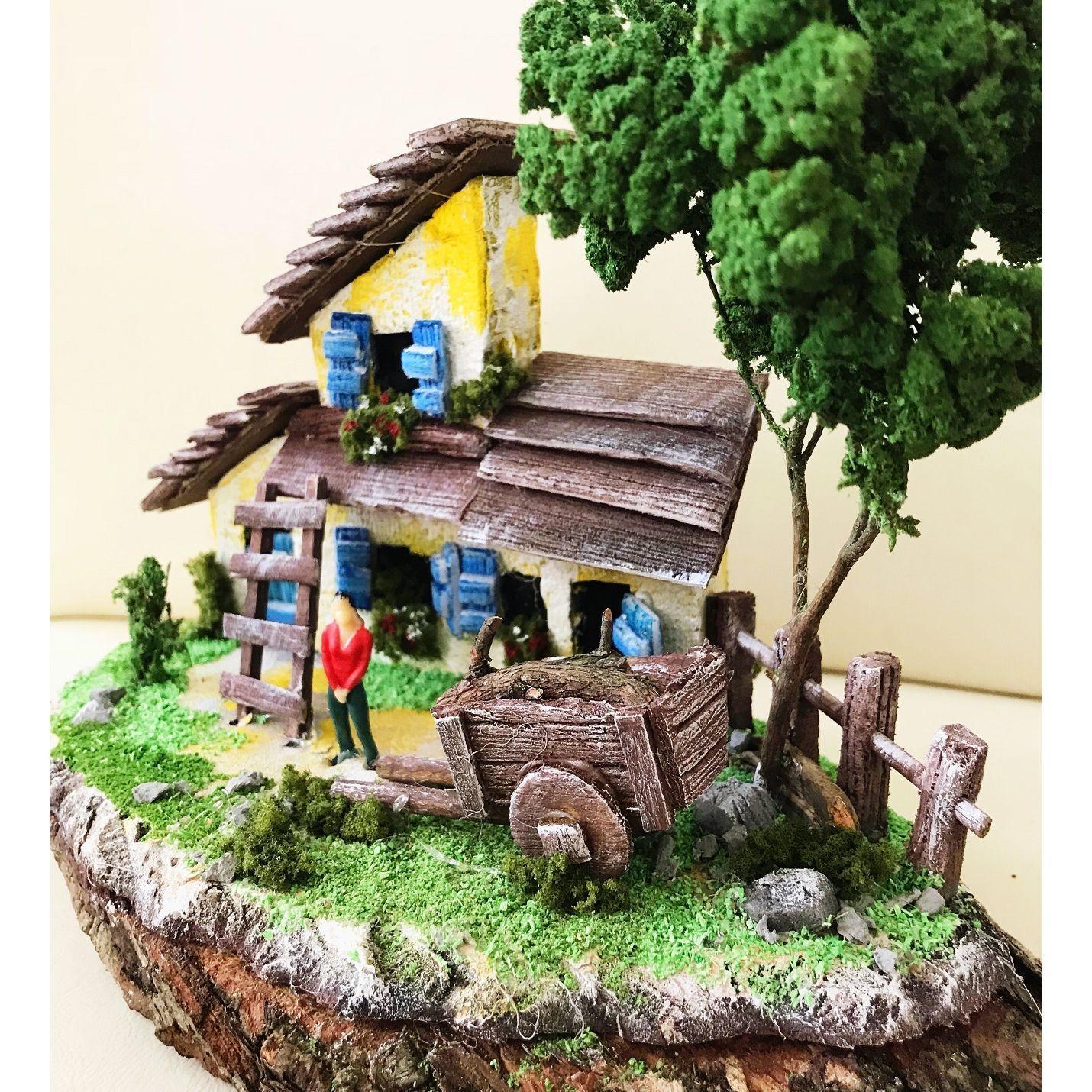 Doğal Kütük Üzeri Köy Evi Temalı Minyatür Bahçe